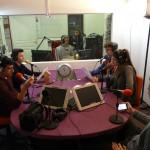 Les élèves dans le studio de RTR